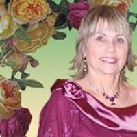 אטי יעקובסון עיצוב שמלות ובגדי ערב בהתאמה אישית
