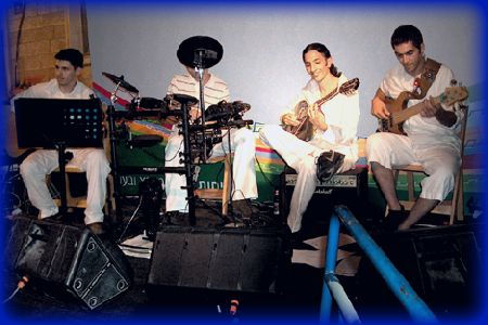 מוזוקי - להקה יוונית