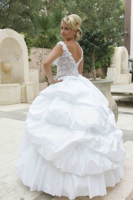 סמדר מעצבת שמלות כלה וערב