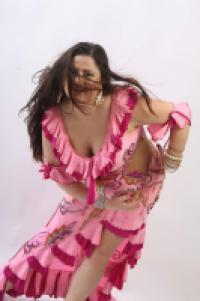 אורי-לי ימין רקדנית בטן לאירועים