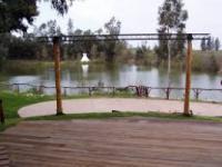 האגם בטבע - פרדס חנה