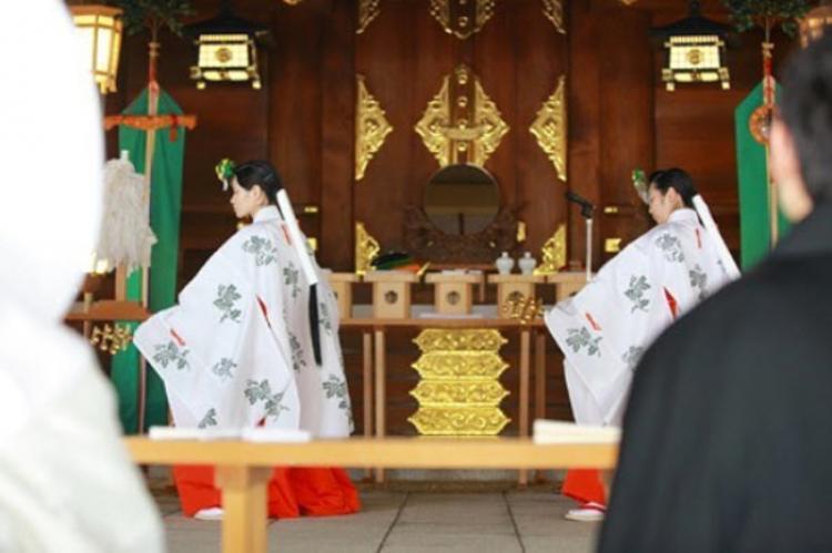 ביג אין ג'פן: מנהגי החתונה המדהימים ביותר ביפן