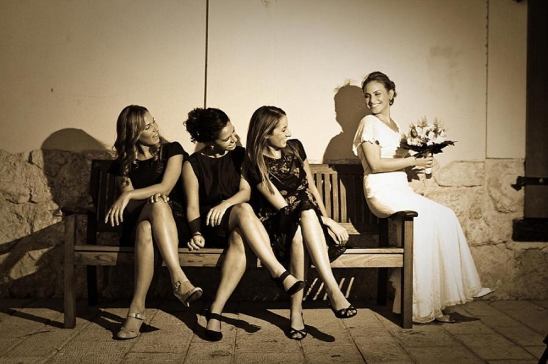 מלוות בחתונה