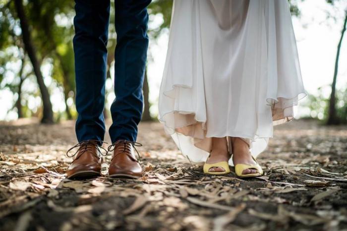 צילומי רגליים של חתן וכלה