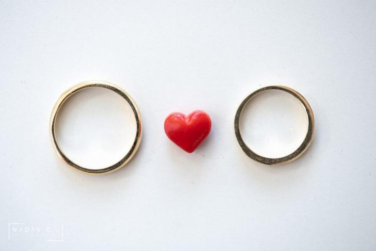 6 דברים שצריך לדעת כשבוחרים טבעות נישואין לאישה