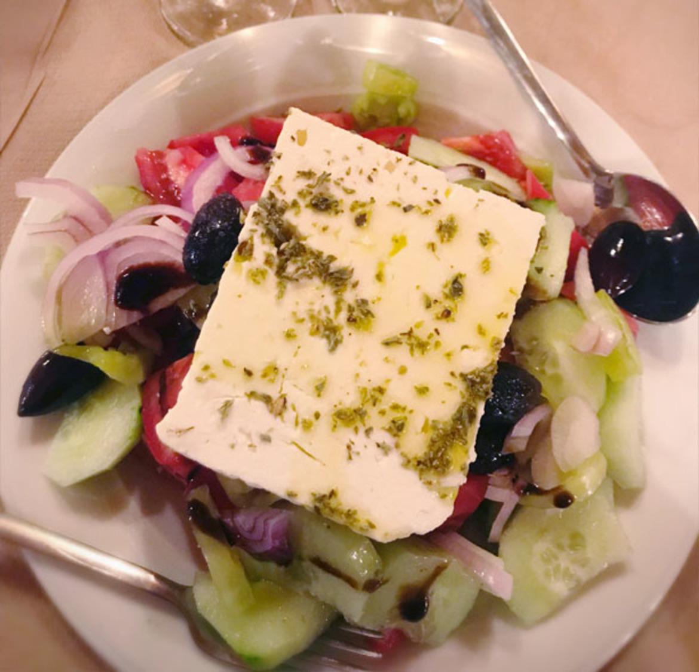 סלט יווני ביוון