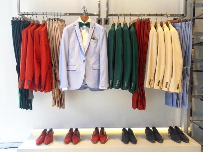 חליפות חתן בצבעים עזים