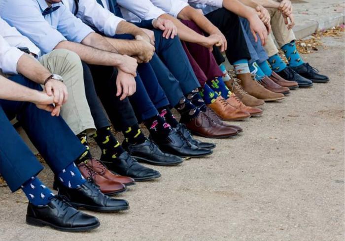 גרביים צבעוניים לחתן