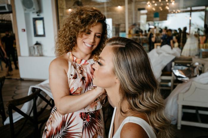 תסרוקות כלה ועיצוב שיער - מעצב שיער לחתונה – איך תבחרי את האחד שלך?