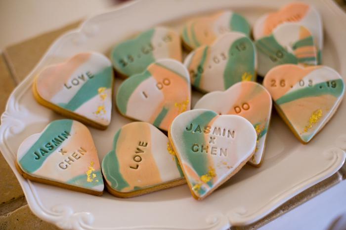 עוגיות מעוטרות בשמות שלכם