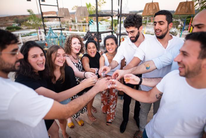 גני אירועים - חגיגה על הגג: הפקת אירוע באטורה